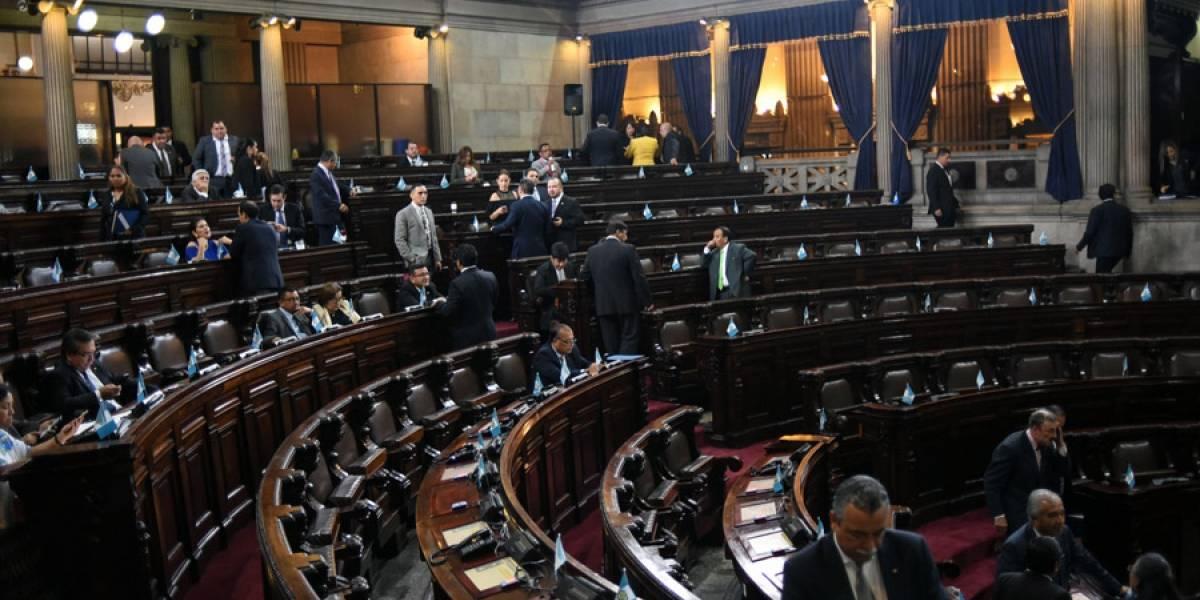 Congreso adquirirá uniformes para su personal