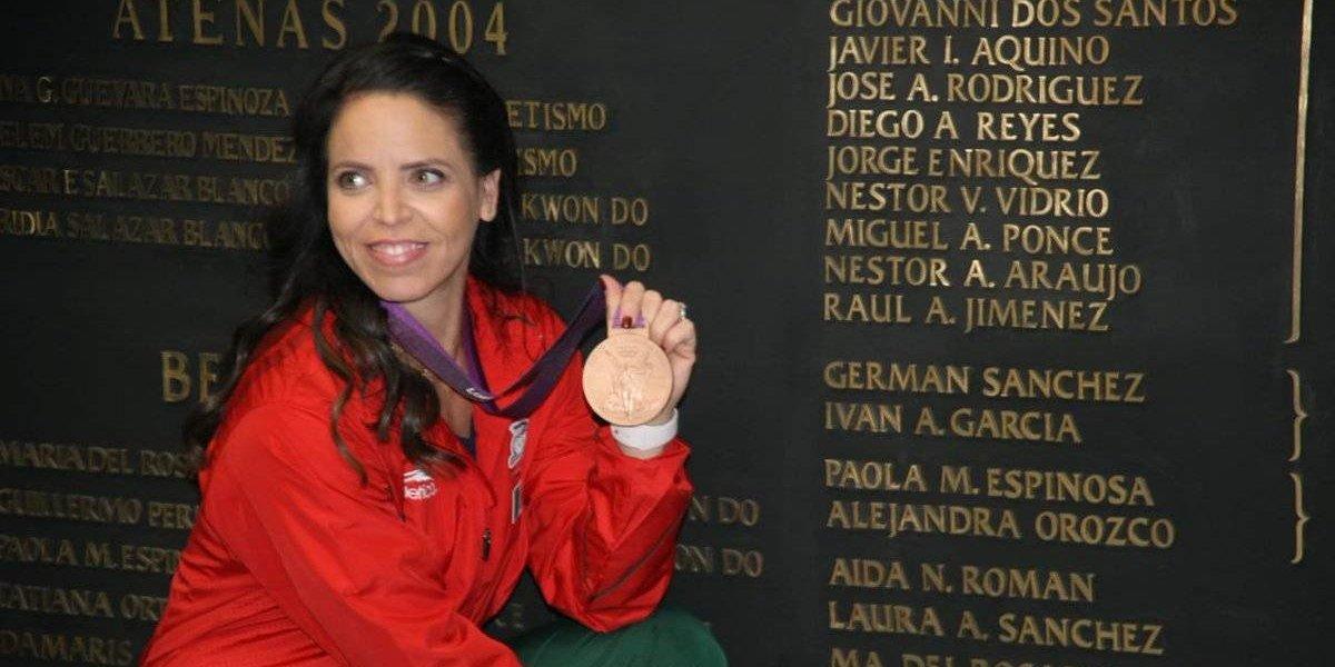 Luz Mercedes Acosta recibe medalla olímpica de Londres 2012