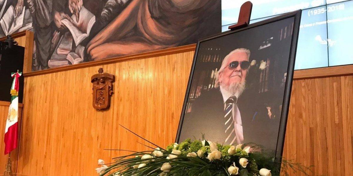 Rinden emotiva despedida a Fernando del Paso en Guadalajara