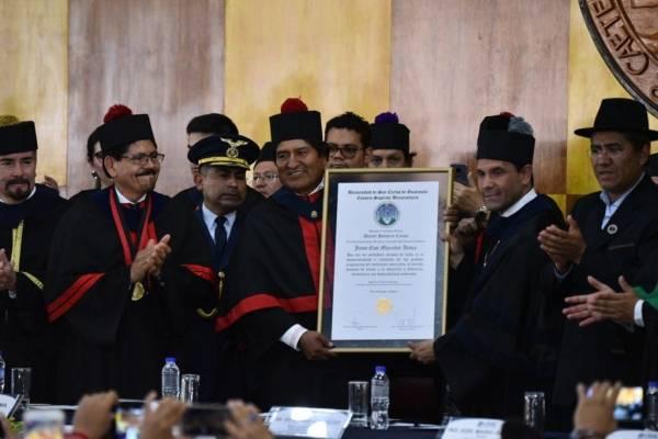 Evo Morales recibe Doctorado Honoris Causa