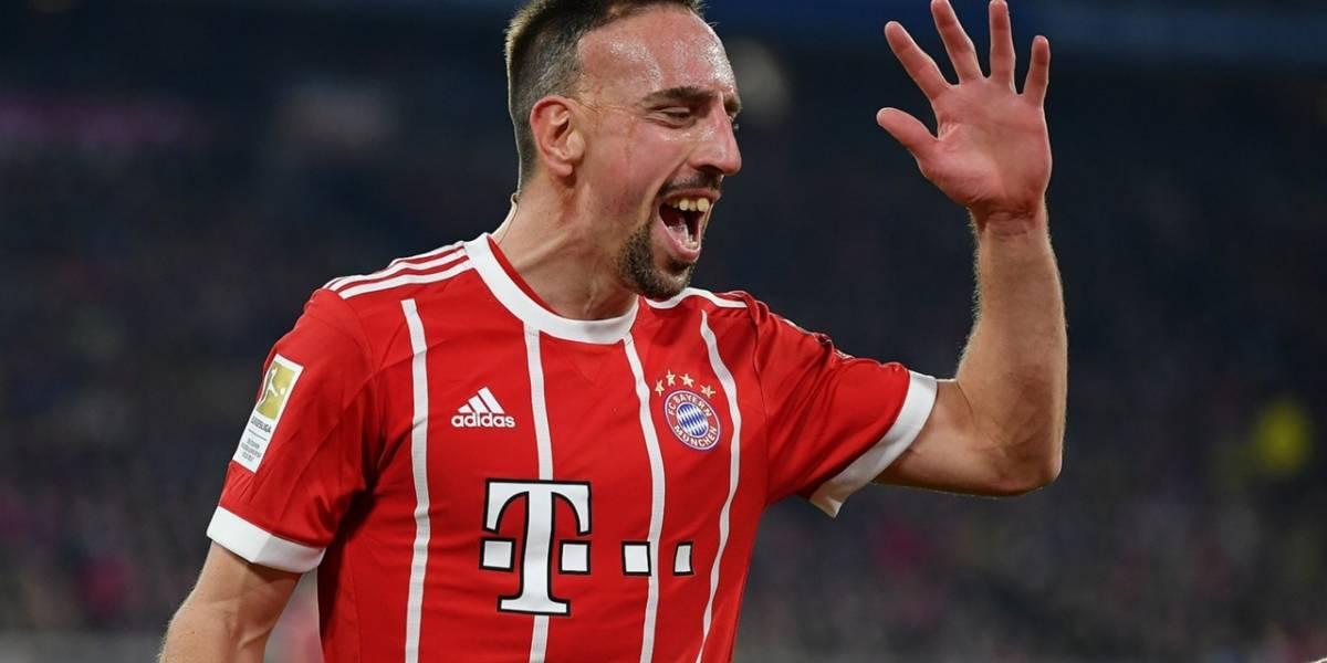 Bayern Múnich sanciona a Ribéry por insultos en Twitter tras video de bistec bañado en oro