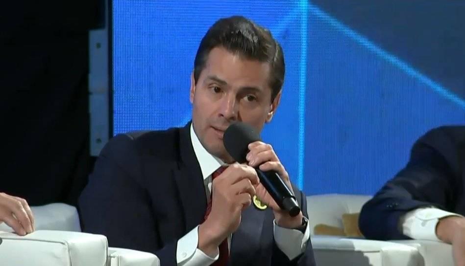 El presidente de México dijo que tomó decisiones difíciles, pero indispensables para mantener finanzas estables Foto: Twitter @PresidenciaMX