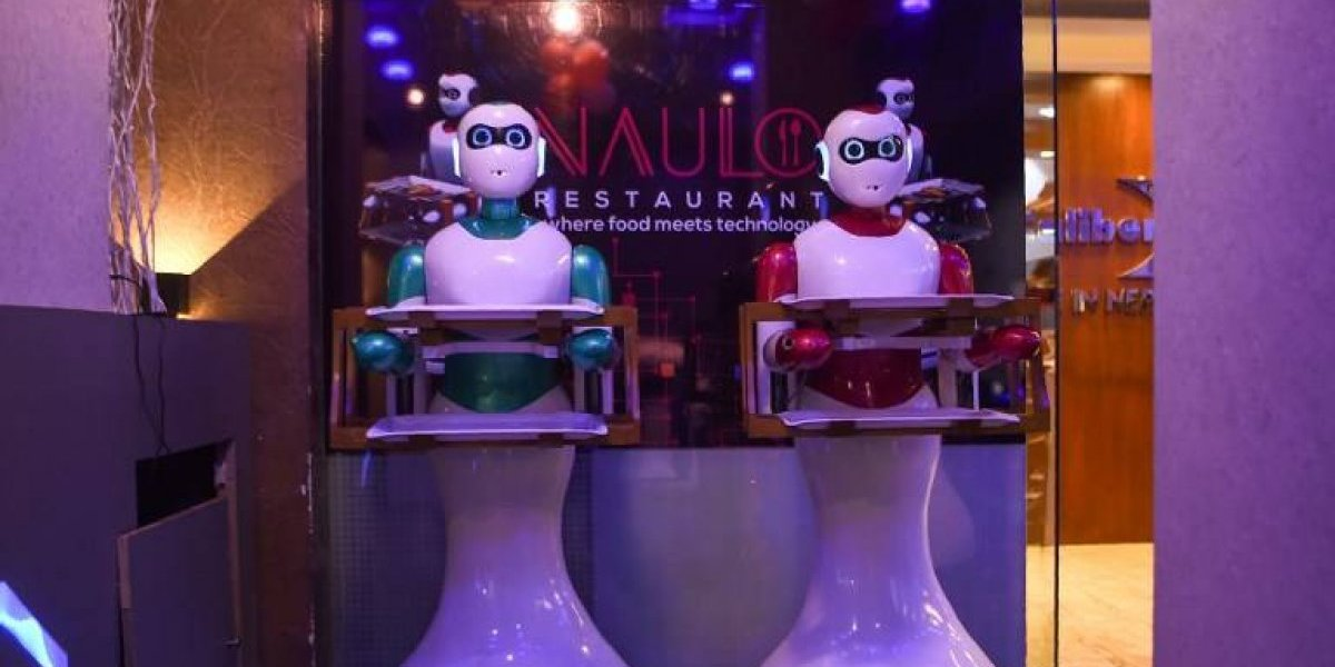 VIDEO. Así es el robot camarero que asombra a los comensales en Nepal