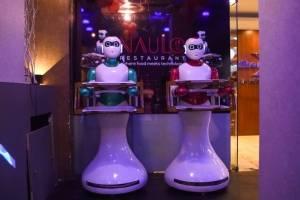 Robot camarero en Nepal