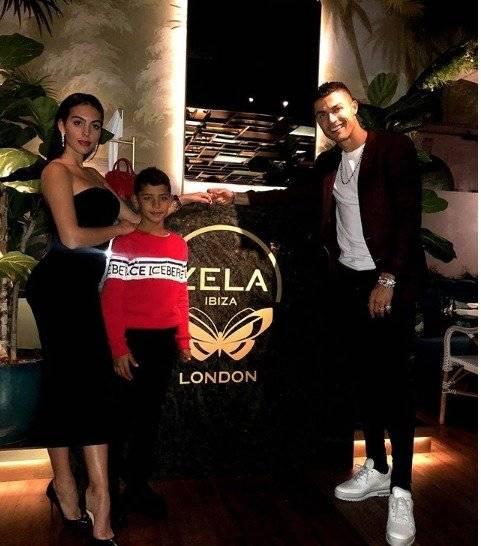 Georgina y Cristiano Ronaldo junto al hijo mayor de CR7 Instagram