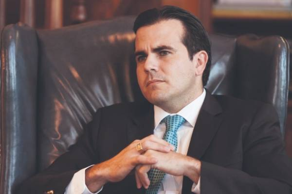 Rosselló también aceptó que sus asesores pidieron parar el proyecto de sucesión de alcaldes. archivo