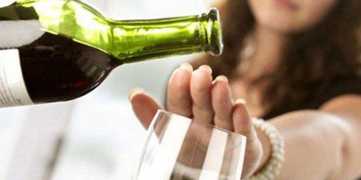 Ministerio de Salud insta a moderar consumo alcohol para evitar enfermedades