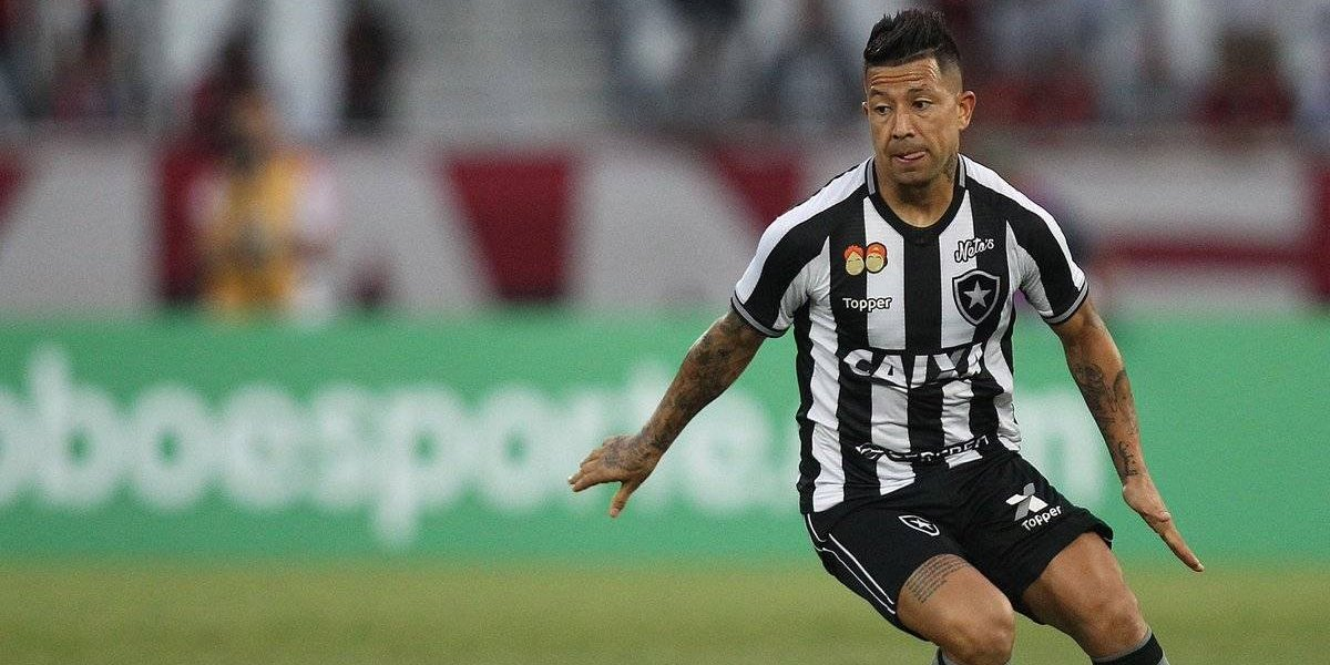 Leo Valencia manda nuevo aviso a Rueda con otra gran actuación en Botafogo