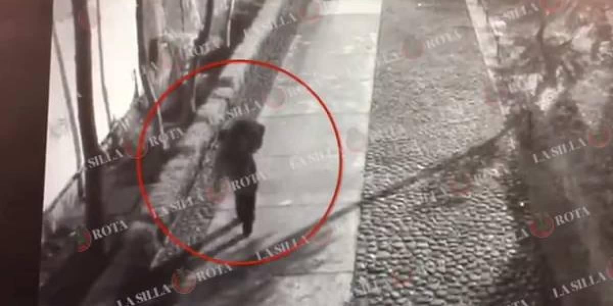 VIDEO: Hombre cargó el cuerpo de Ingrid y lo abandonó en Tlatelolco