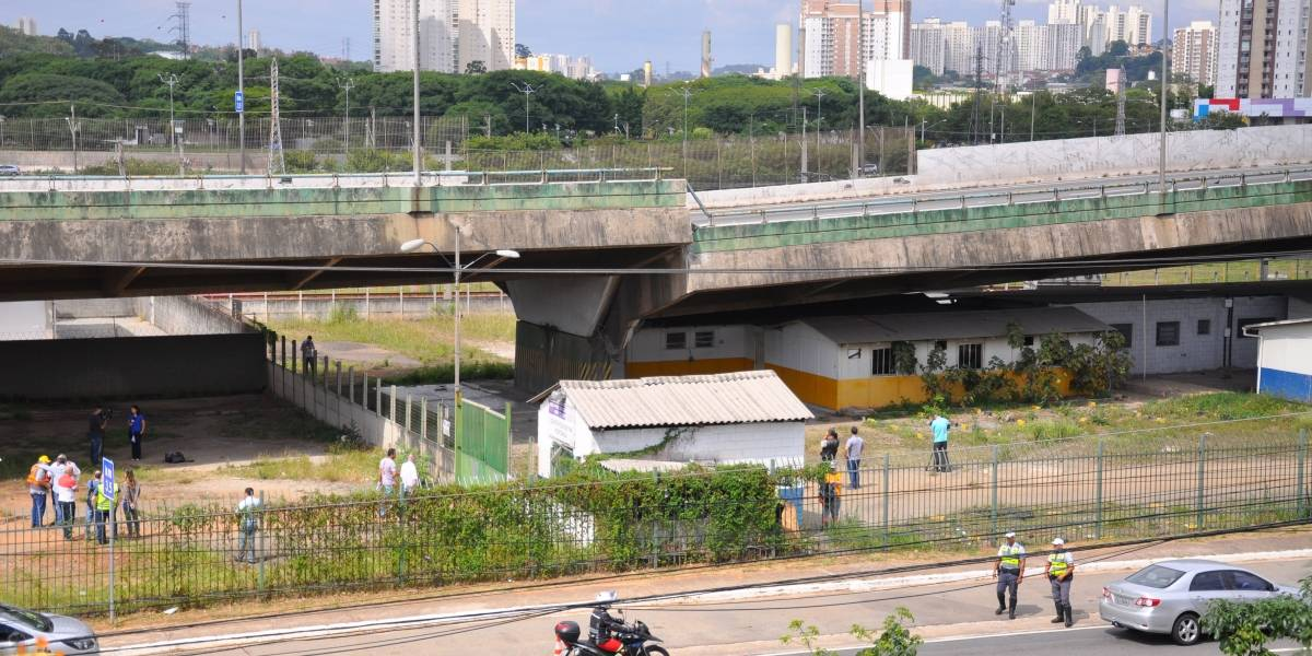 Depois de ceder, viaduto da marginal Pinheiros deve ser reaberto em março