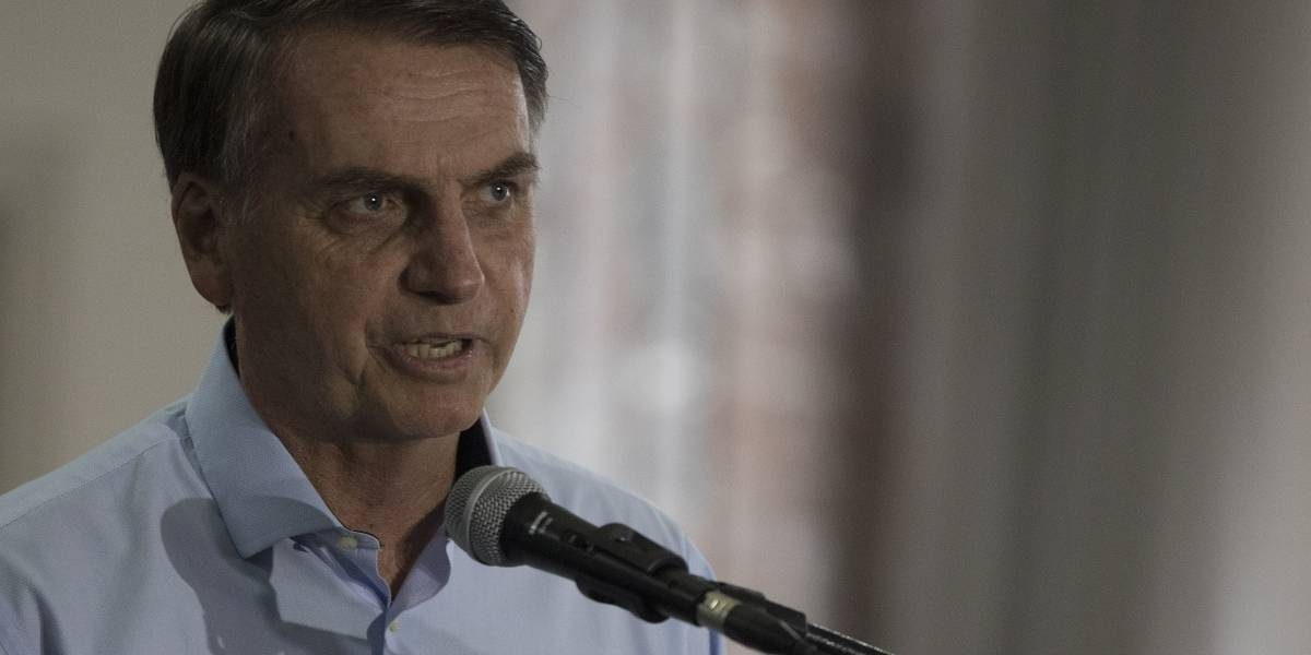 Bolsonaro se enfrenta con Cuba por médicos, antes de asumir el poder