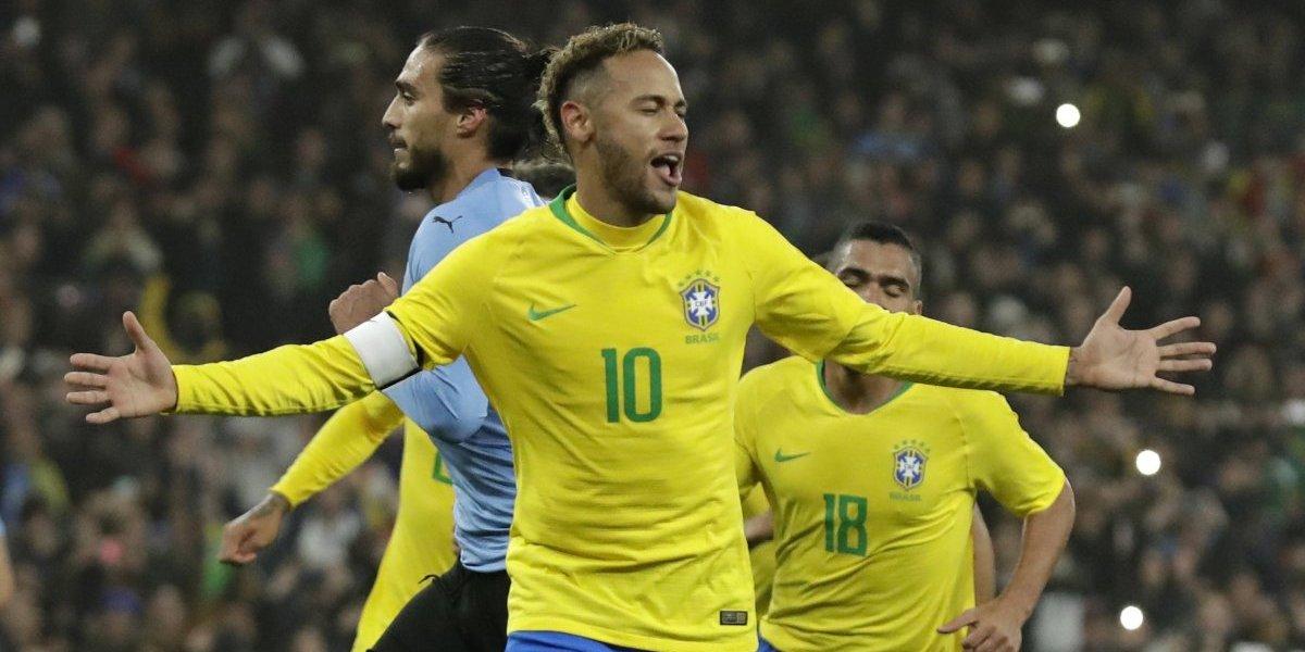 Brasil le ganó el Duelo de Campeones a Uruguay gracias a un penal de Neymar