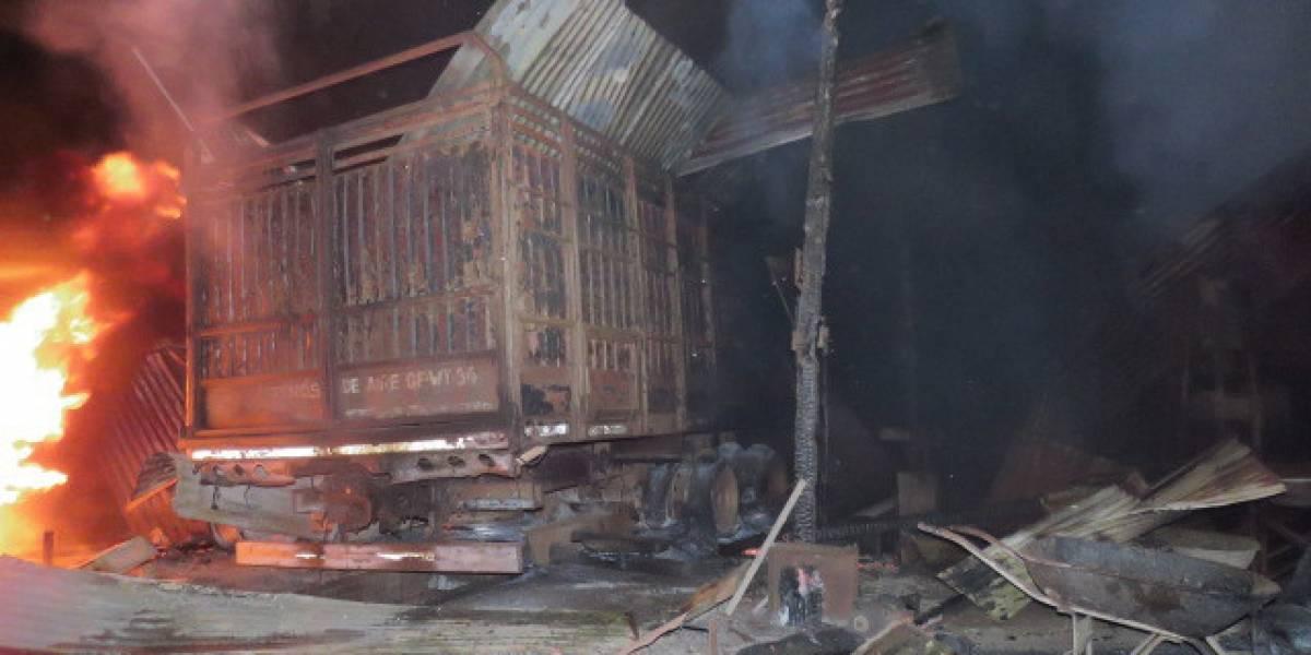 Al menos seis atentados incendiarios en últimas horas afectan a las regiones del Biobío y La Araucanía