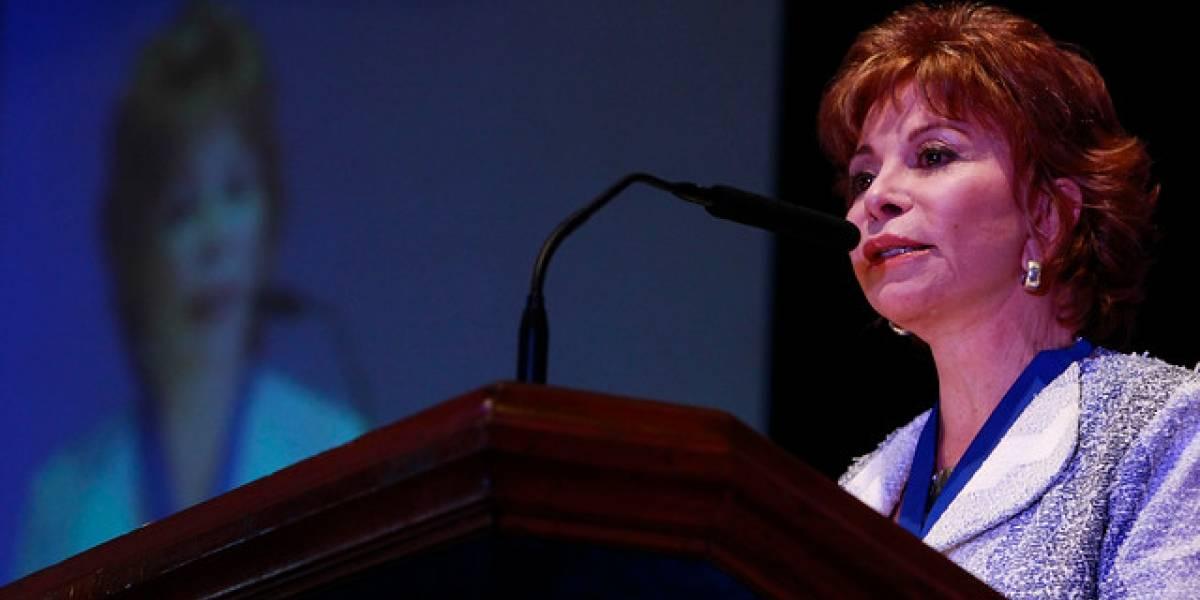 """Isabel Allende recibe el """"Oscar de la Literatura"""" en Estados Unidos"""