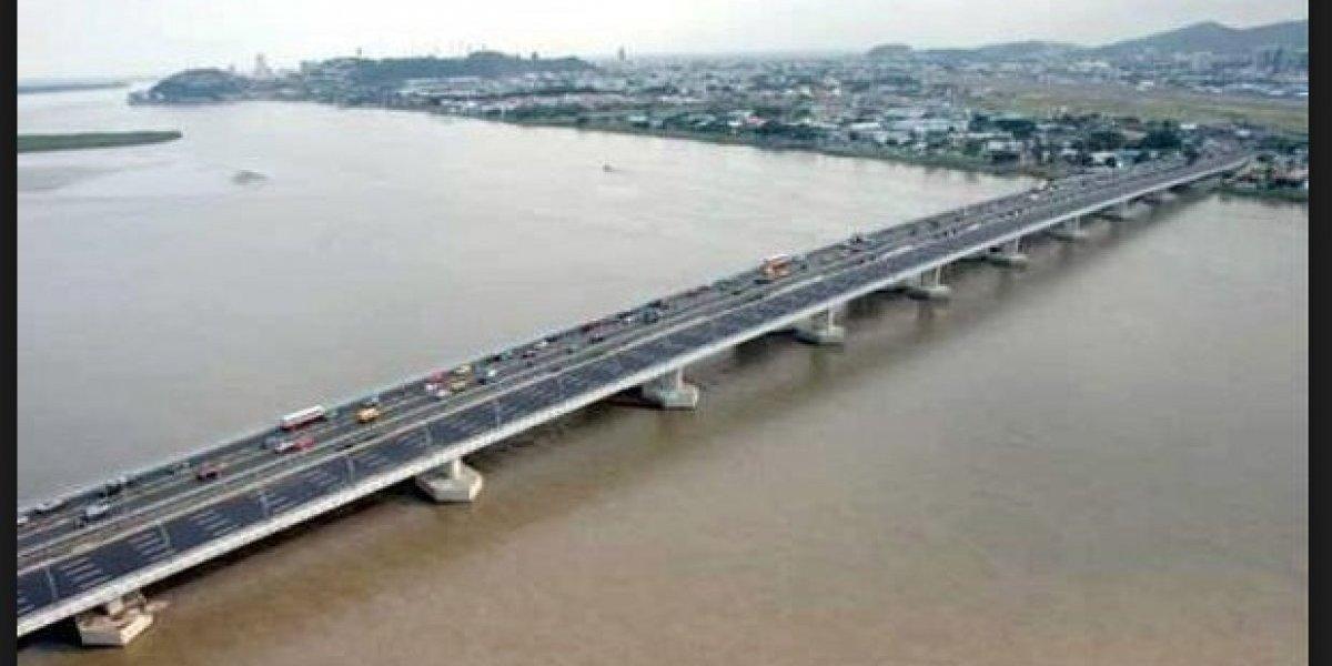 Guayaquil: Buscan a un hombre que se habría lanzado de un puente