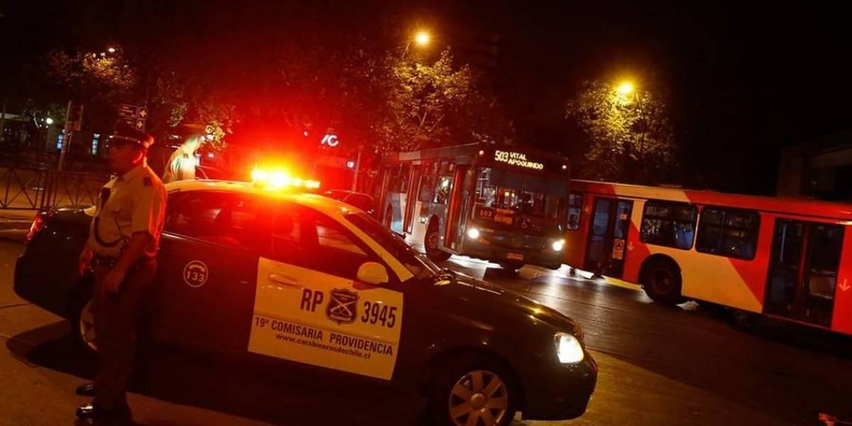 Violento incidente: Uber fue fiscalizado y terminó arrastrando a un carabinero por casi tres cuadras