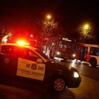 Violento incidente: Uber fue fiscalizado y terminó arrastrando a un carabinero por casi tres cuadras. Noticias en tiempo real
