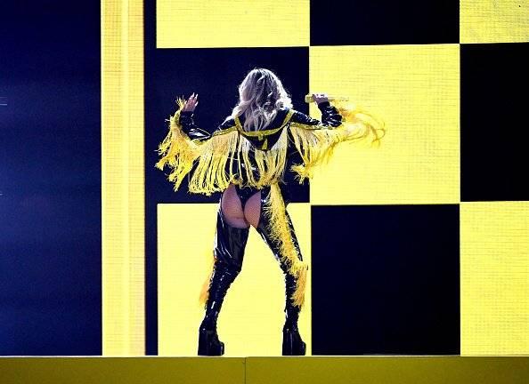 Karol G en su presentación en los Grammy Latino EFE/GETTY IMAGES