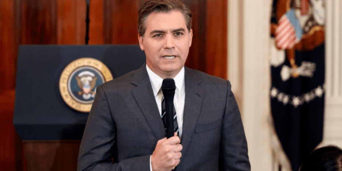 Juez de EE.UU ordena a Casa Blanca que devuelva acreditación a periodista CNN