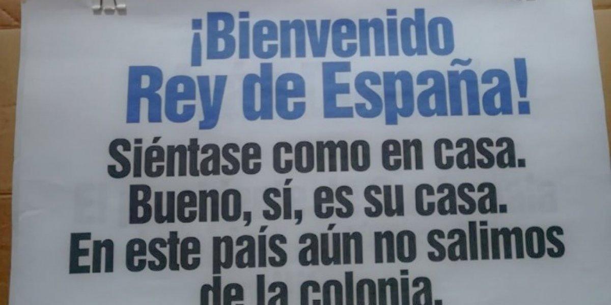 EN IMÁGENES. Dedican carteles a presidentes de Iberoamérica que se encuentran en La Antigua