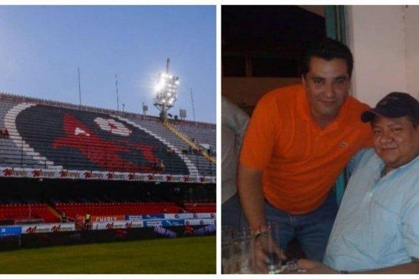 En la imagen, Ángel Fuentes con una camisa color naranja. Fotos: record.com.mx