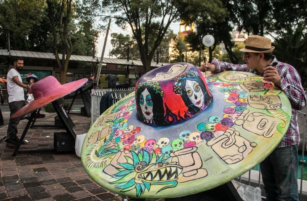 Publicidad. Sombreros  sombrerosgigantes8-910141071789c015d46b4ed984d93b98.  ... fca8498ddbd