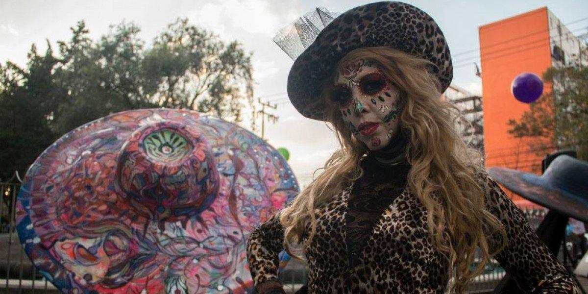 FOTOS: Sombreros gigantes y Catrinas engalanan Parque Hundido