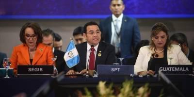 Jimmy Morales durante la Cumbre Iberoamericana.