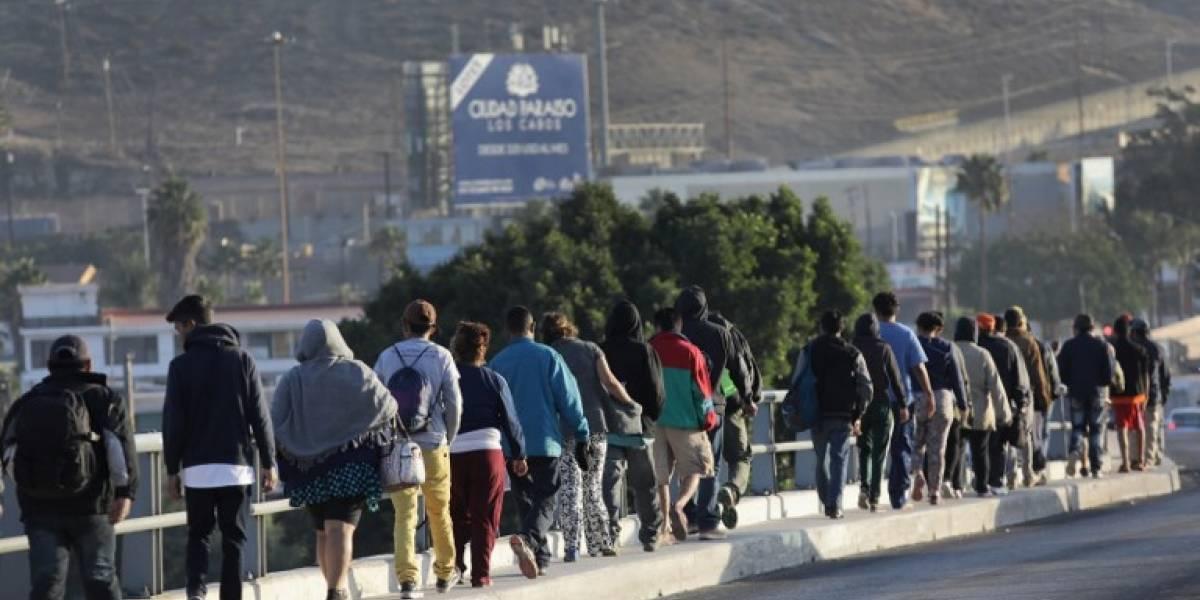 Caravana migrante se enfrenta al rechazo de pobladores mexicanos y críticas de Trump