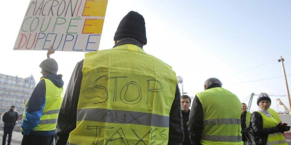 Primera víctima fatal: atropellan a manifestante durante jornada de movilización nacional por el alza de las bencinas en Francia