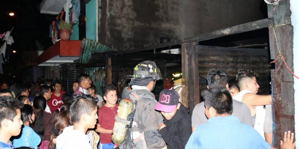 Tres hermanitos fallecen en incendio de una vivienda en la zona 21