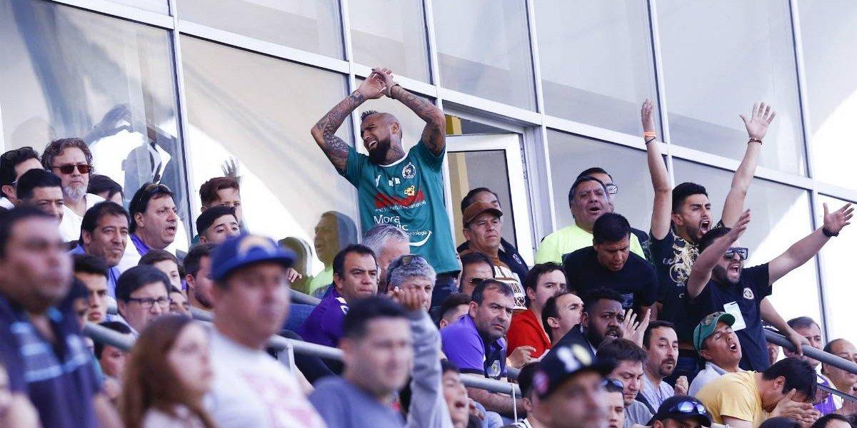 Deportes Concepción saca del camino a Rodelindo Román y con Arturo Vidal en las tribunas