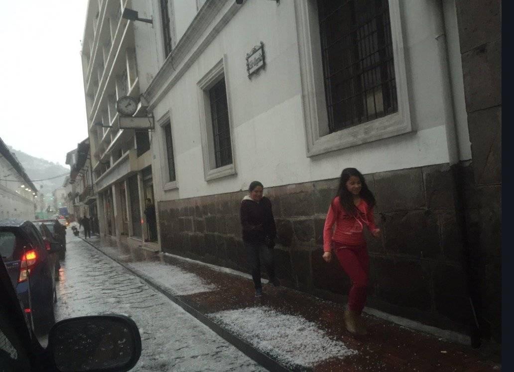 Esta es la situación de Quito tras tormenta eléctrica y granizada Cortesía