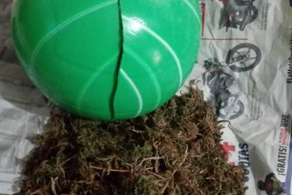 Hombre intentó meter droga a una cárcel en Jalapa.