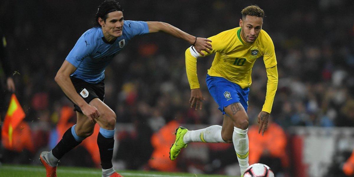VIDEO: Neymar y Cavani se encaran en partido de Brasil vs Uruguay