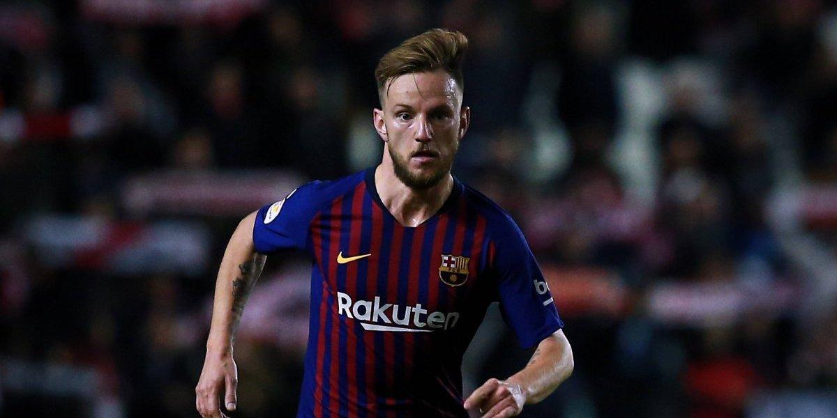Afición del Barcelona celebra la lesión del croata Ivan Rakitic