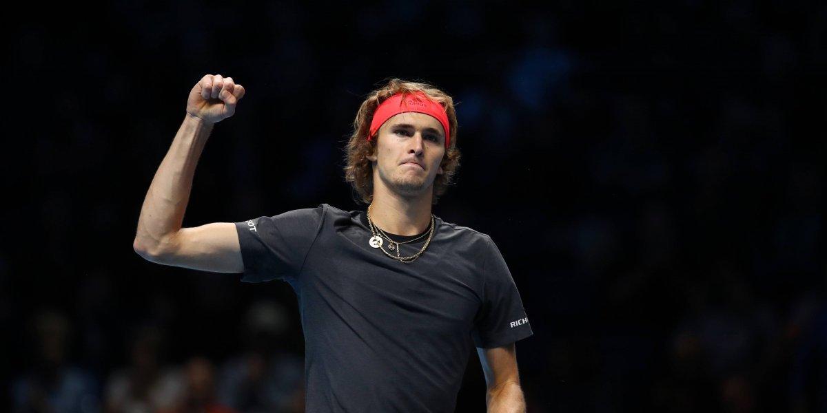 Zverev se convirtió en finalista de la Copa Masters tras vencer a Roger Federer