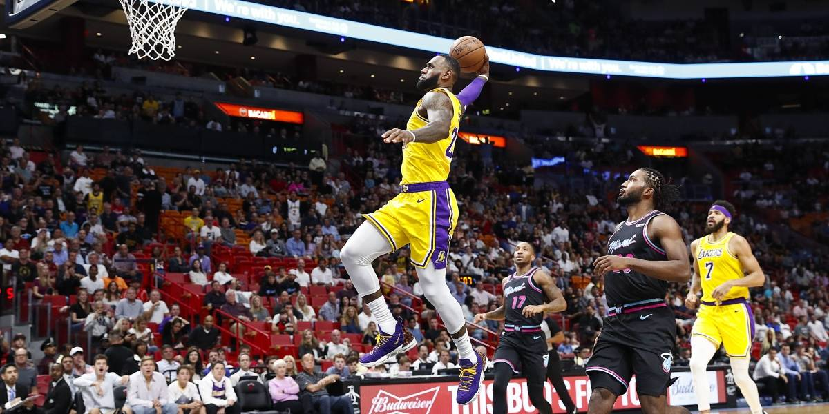 LeBron James anota 51 puntos en triunfo de los Lakers