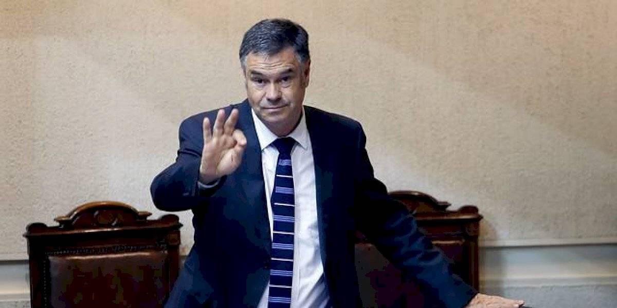 """Senador Ossandón contrajo coronavirus por segunda vez: """"En esta oportunidad los síntomas son mucho más complejos"""""""