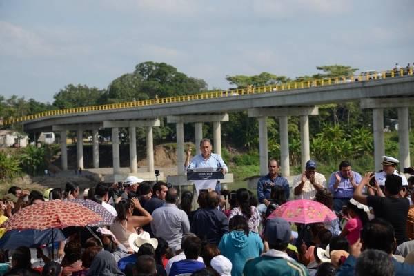 """Miguel Ángel Yunes inaugura puente """"El Ojite"""" en Veracruz"""