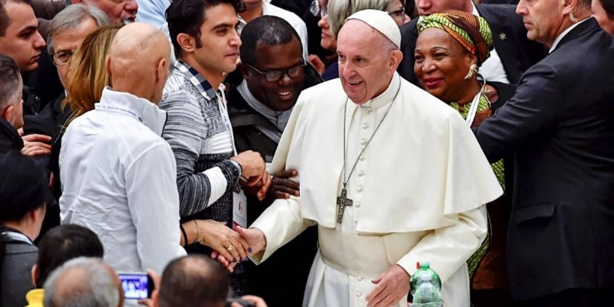 El Papa aboga por los pobres en emotiva misa en el Vaticano
