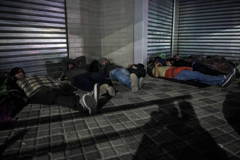 Migrantes salvadoreños viajan a Estados Unidos