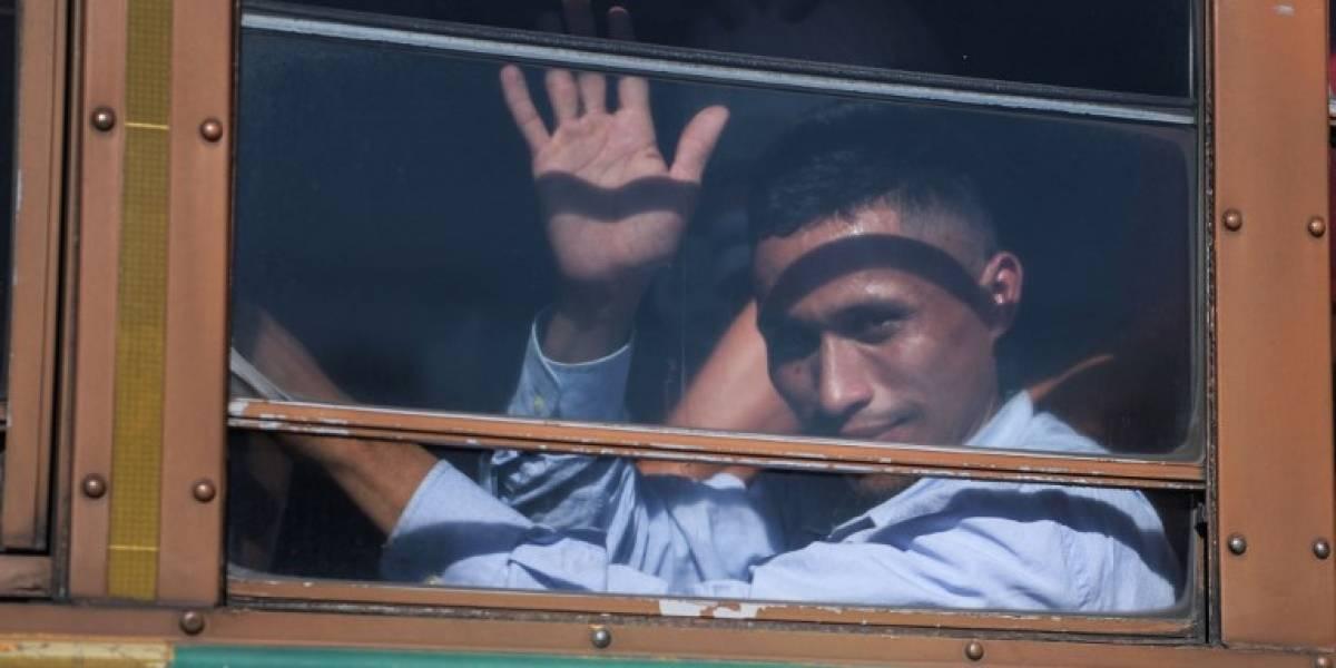 Nuevo grupo de migrantes salvadoreños emprende viaje hacia Estados Unidos