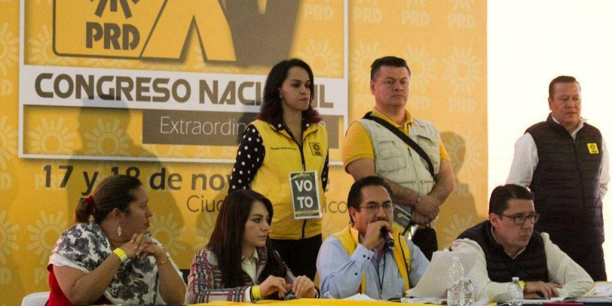 PRD reforma estatutos para disolver su Comité Ejecutivo Nacional