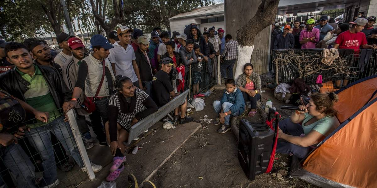 Migrantes crean caos en México, que regresen a su casa: Trump