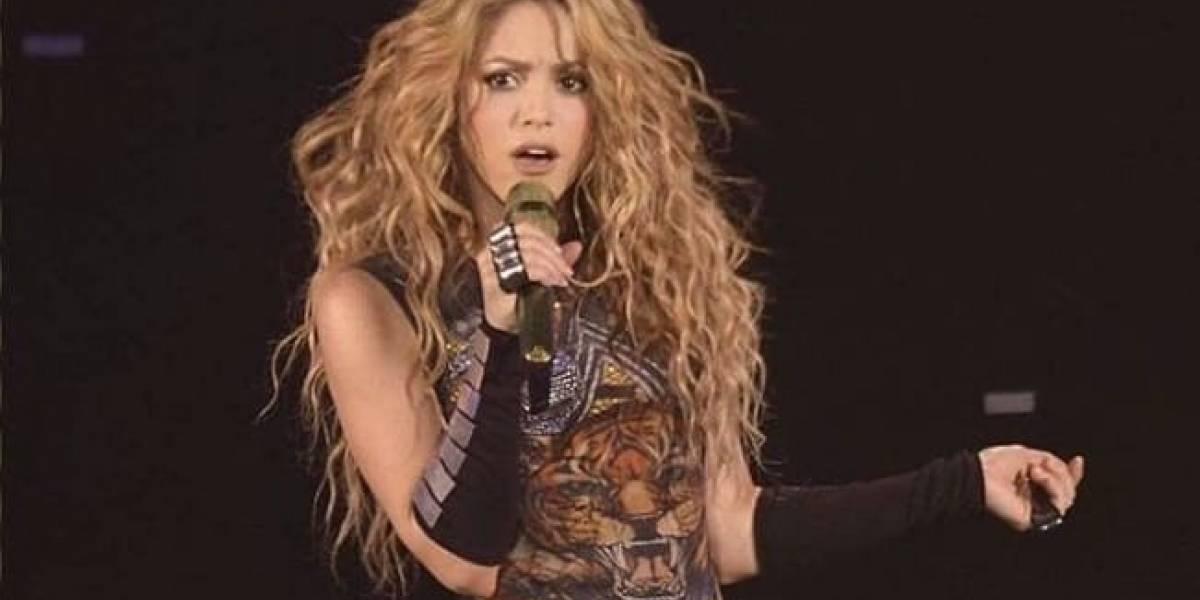 Revelan fotos de Shakira al natural y llueven críticas