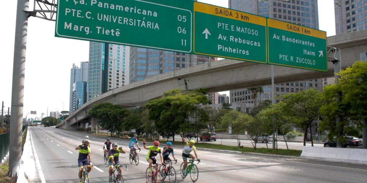 Medida que permitiria multas para pedestres e ciclistas é revogada