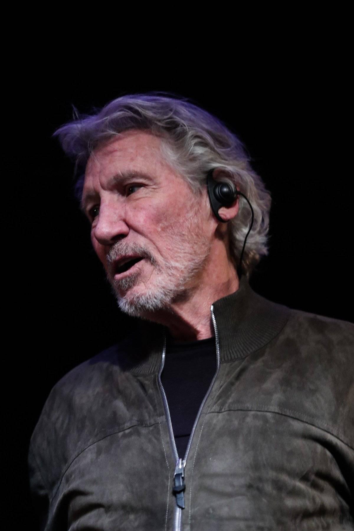 Roger Waters, ex Pink Floyd, visita Ecuador para conocer contaminación de la Amazonía EFE