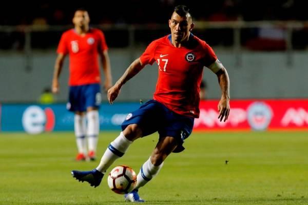 Gary Medel volverá a jugar como defensa en la Roja / Foto: Agencia UNO
