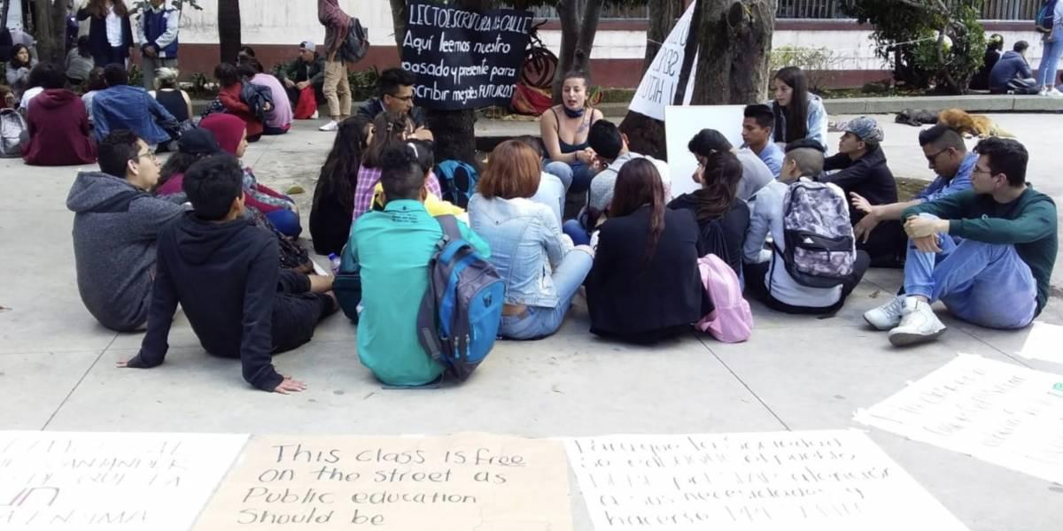 Estudiantes de la Nacional vuelven a dar ejemplo en medio de protestas por la educación pública